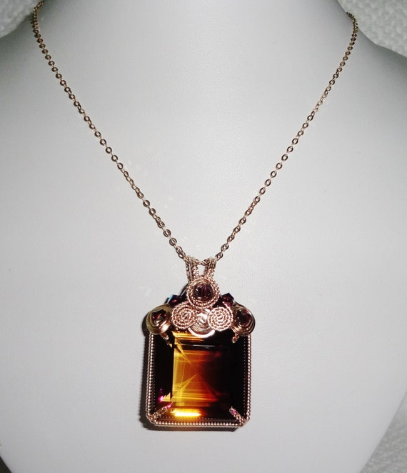 "76ct Natural Emerald cut Bi-Color Bolivian Ametrine gemstone, 14kt yellow gold Pendant & 18"" 14kt gold Chain"