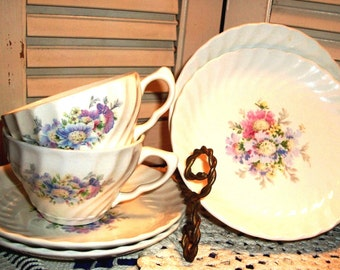 "Vintage ROYAL CHINA Set, 1930's  ""Honey Lee"" Pattern on Swirl Mold, Gorgeous Floral, 11 pc. Cups/Saucers, Super For Tea - SALE!"