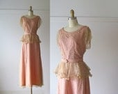 vintage 1940s dress / 40s dress / Rose and Lace