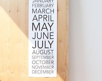 Vertical Wall Calendar 2017 SNUG.VERTICAL
