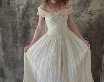 1950s Eyelet Lace Wedding Gown