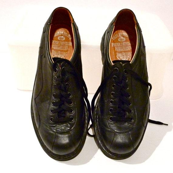 John Fluevog Shoes Angels Black Bowling Shoe Flash Black Leather Shoe Goth Punk Angelic Lug Soles Lace Up Chunky Size 7 Size 9 FREE US SHIP