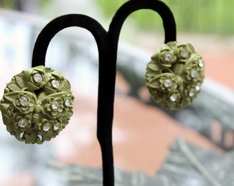 Green Featherweight, Bubbleite Earrings with Butterfly Design - Pretty!