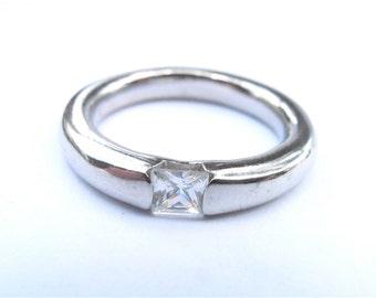Vintage CZ Square Ring US Size 8 Cubic Zirconia Silver Tone Pinky Thumb Faux Diamond Engagement Solitaire Imitation Diamond Mens Ladies