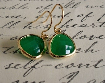 Gold Framed Faceted EMERALD GREEN Drop EARRINGS // Jade Green //  Glass // Dangle //  Simple // Bridesmaid // Elegant