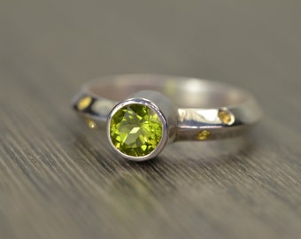 Peridot Sapphire Ring, size 7.5, silver gold stack ring, August September Birthstone - Luciano Ring