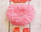 coral diaper cover- baby bloomers- Newborn diaper cover- Coral- Diaper cover -Toddler Bloomers - Ruffle- Bloomers - salmon pink diaper cover