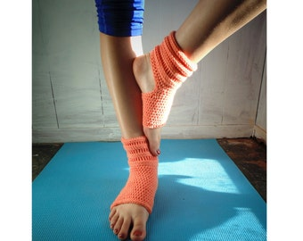 Crochet PATTERN - Rolled Yoga Socks -  Pilates Socks, Dance Socks, Pedicure Socks (sizes Small to Plus)