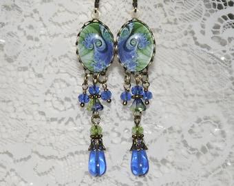 Ocean Waves Retro Design Cameo Long Dangle Earrings - Sapphire Green