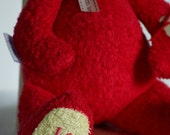 Personalization with hand embroidery. For a beary special gift.