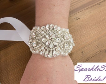 Rhinestone Bridal Bracelet, Bridal Bracelet, Bridesmaid Bracelet, Bridal Beaded Crystal Cuff, Wedding cuff, Bridal Bracelet - Evelyn