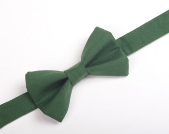 Hunter Green Bow Tie , forest green bow tie, boys bow tie, men's bow tie, pre-tied bow tie, dark green bow tie, adult bow tie, baby bow tie