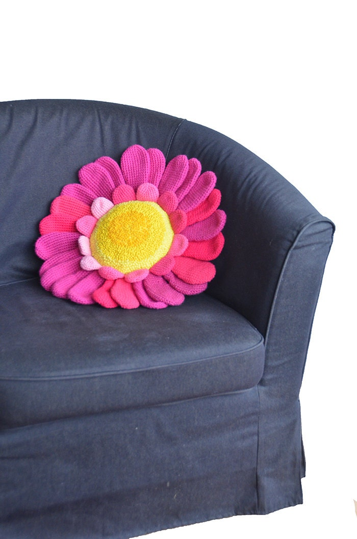Free Crochet Patterns Flower Pillows : Daisy Pillow Crochet Pattern Flower Pillow Crochet Pattern
