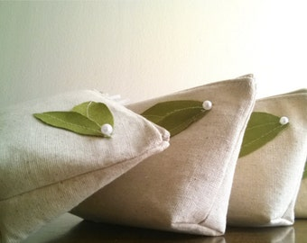 Green Wedding, Bridemaid Clutches, Bridesmaid Purses, Eco Wedding, Linen, Burlap, Bridesmaid Clutch Purses - Set of 4