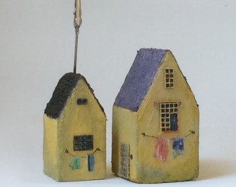 Set of 2 Little Houses: 4'', 3'' with memo clip