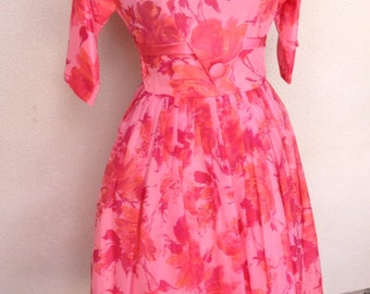 Vintage retro pinks floral dress petticoat lined fitted waist satin trim custom made sz S