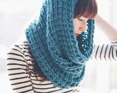 The Chichester, a chunky cowl/snood