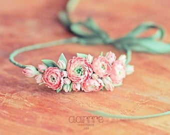 Headband with floral composition