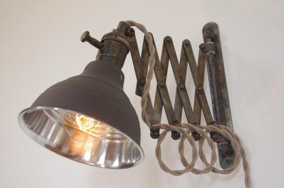 ciseaux industriels accord on lampe applique murale par longmadeco. Black Bedroom Furniture Sets. Home Design Ideas