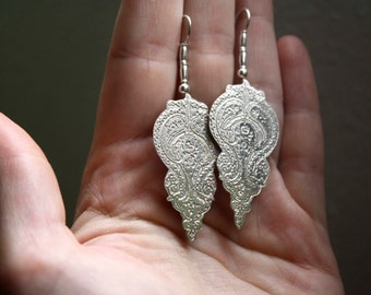 Made to order, Orissa, oriental sterling silver earrings, Indian paisley, India style, adorned