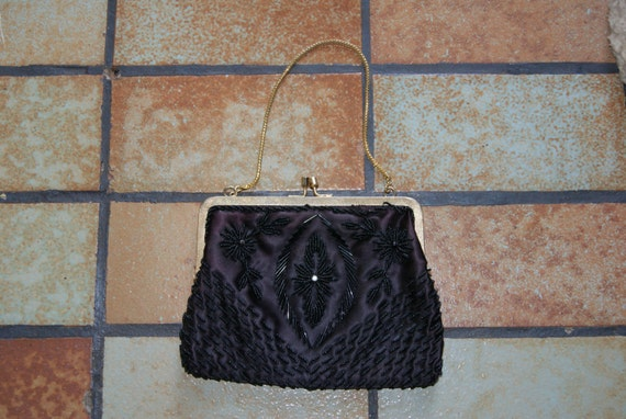 Vintage Small Black Beaded Purse With Gold Strap And Closure One Rhinestone On Both Sides Unmarked