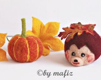 Hedgehog felt with pumpkin and pumpkin blossoms autumn season table deco Thanksgiving