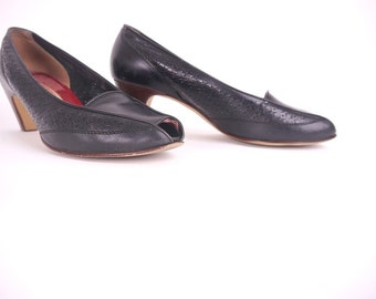 VTG Black Heels // size 8 Vintage Black Kitten Heels // Black Leather Peeptoe Shoes // size 8 Womens Pumps