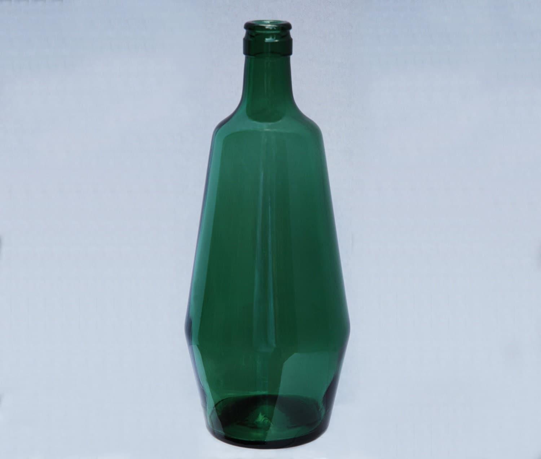 Vintage green glass wine bottle for Green wine bottles