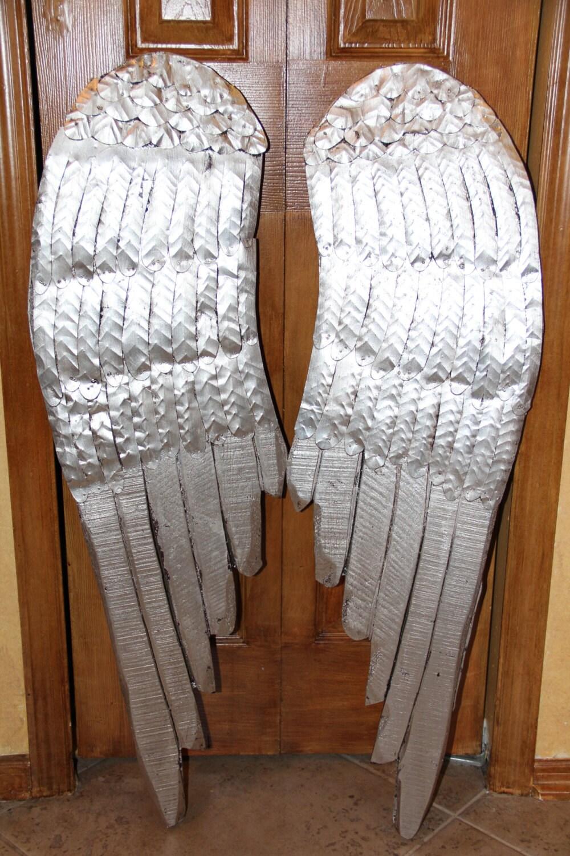 BUcherregal Metall Und Holz ~ Große Engel Flügel Holz und Metall Engel von MediterraneaDesigns