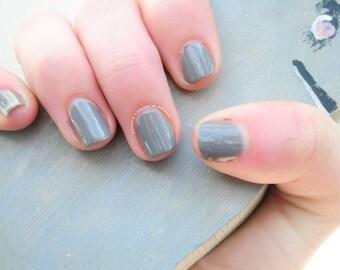 Grey Hand Painted Fake Nails