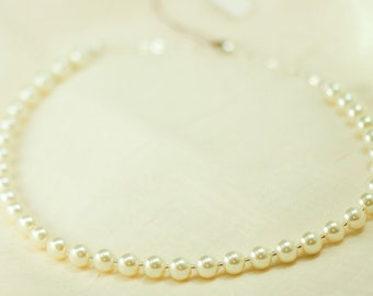 Elegant White Glass Pearl Necklace - Bridesmaid Gift