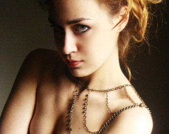Shoulder armor, chain shoulder jewelry,Shoulder Piece,Shoulder chain.