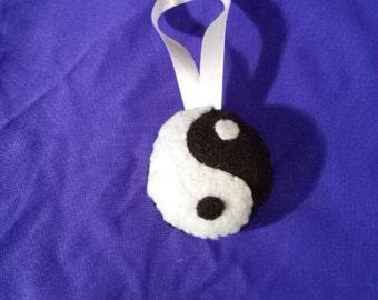 Black & White Yin Yang Ornament