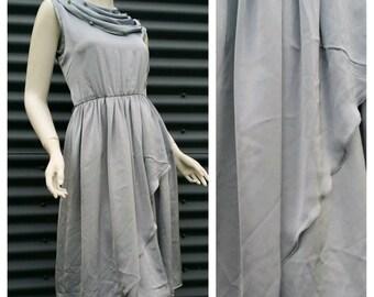 Womens Vintage Retro 1970s Silk Grecian Goddess Drape Floral Beaded Bodice Wrap Pleat Dress Medium