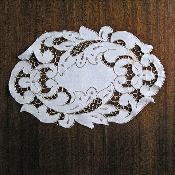 Vintage Cutwork Embroidery 1950s Richelieu Embroidery Doily