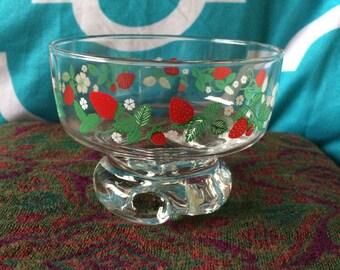 Vintage Set Of 6 Strawberry Glass Bowls -- Vintage Glass Dessert Bowls -- Strawberry Design -- Dessert Bowls
