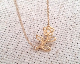Daisy necklace, daisy charm necklace, gold daisy necklace, gold necklace,charm necklace, gold necklace,cute necklace, dainty necklace