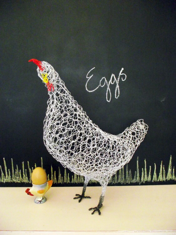 White chicken wire sculpture garden ornament by nicolettedawn for Chicken wire sculptures uk