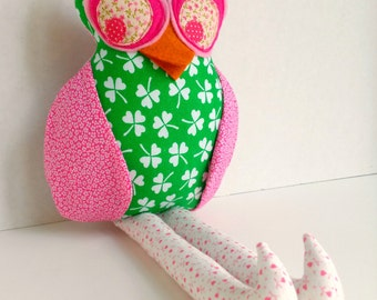 Fabric owl doll, Plush owl toy, Owl decoration,Pink green shamrock, Cloth girl owl, Stuffed owl, Rag doll, Owl softie, Woodland hoot owl