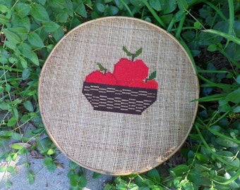 Vintage Embroidered Wicker Circular Wall Hanging Apple Country Rustic
