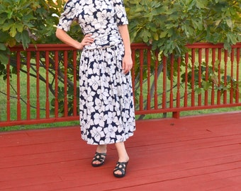 Vintage Dress,80's Dress, 50's Style Bombshell Nautical Pinup,Navy Floral Dress