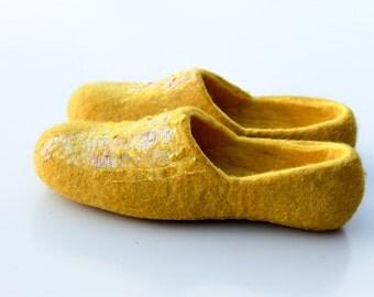 Women's Slippers in Yellow wool - Sizes 4-12 -cozy, warm gift
