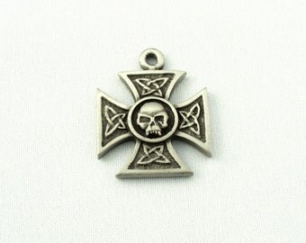 5 Iron Cross with Skull in Center Pewter Charms/Pendants