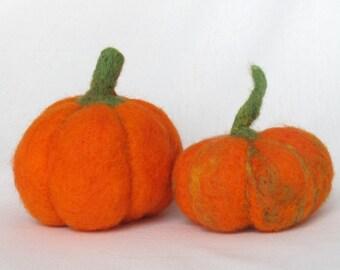 Needle felted Pumpkin set, orange, Halloween decor, wool felted, fall autumn decor.