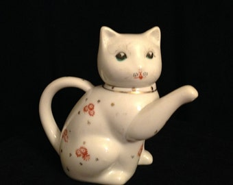 Vintage Chinese lucky cat teapot server porcelain figure welcome cat 1960's
