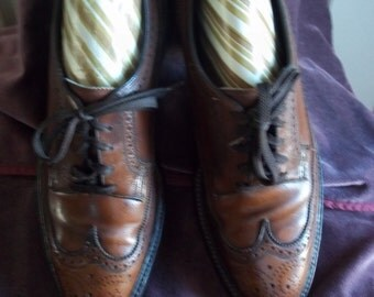Vintage 1970's Floresheim Imperial Brown Wing Tip Open Throat Oxfords Dress Shoes