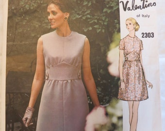 Vintage 70's Vogue Couturier Design Valentino Sewing Pattern 2303 Complete Size 10