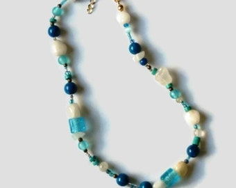 Blue and White Necklace, Chunky Beaded Choker Necklace, Blue White agate necklace, Women's Necklace, Gift for Her