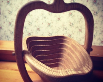 Vintage 1970s Wooden Apple Trivet Basket