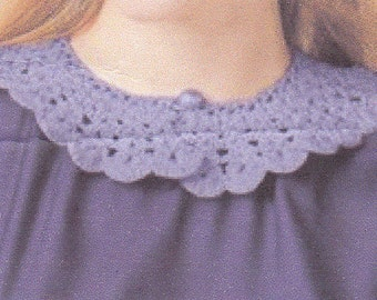 RUFFLED COLLAR